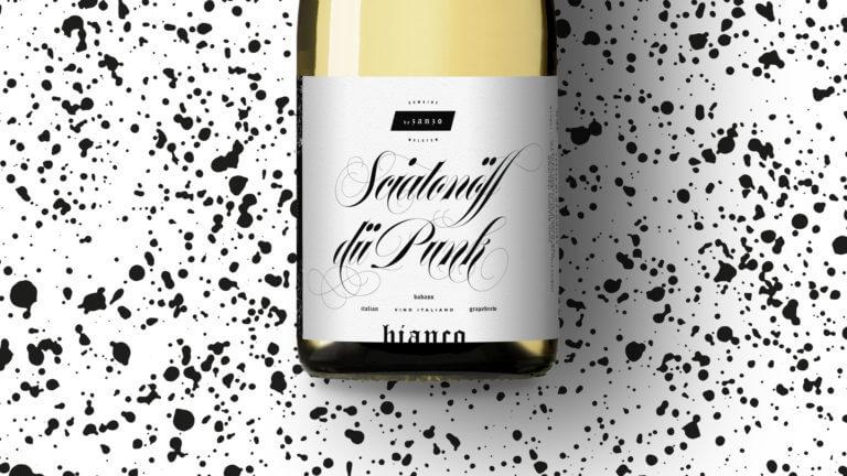 Weinflasche von Sciatonöff dü Punk - Winepunk Marco Zanetti, Italien - Design der Etiketten, Logo und Branding, Weinmarketing von der Designagentur Yummy Stories