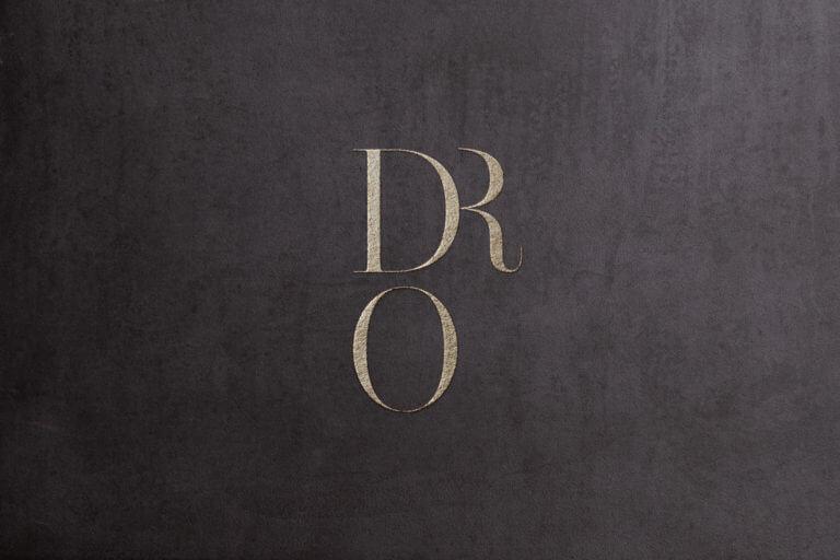 Logo vom Weingut Dr. Oberhofer - Kirrweiler Pfalz - Design der Etiketten, Logo und Branding, Weinmarketing von der Designagentur Yummy Stories