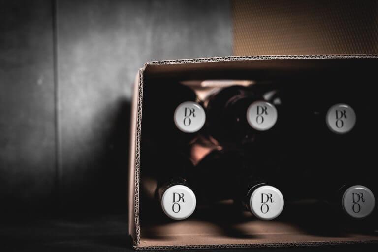 Weinflaschen vom Weingut Dr. Oberhofer - Kirrweiler Pfalz - Design der Etiketten, Logo und Branding, Weinmarketing von der Designagentur Yummy Stories