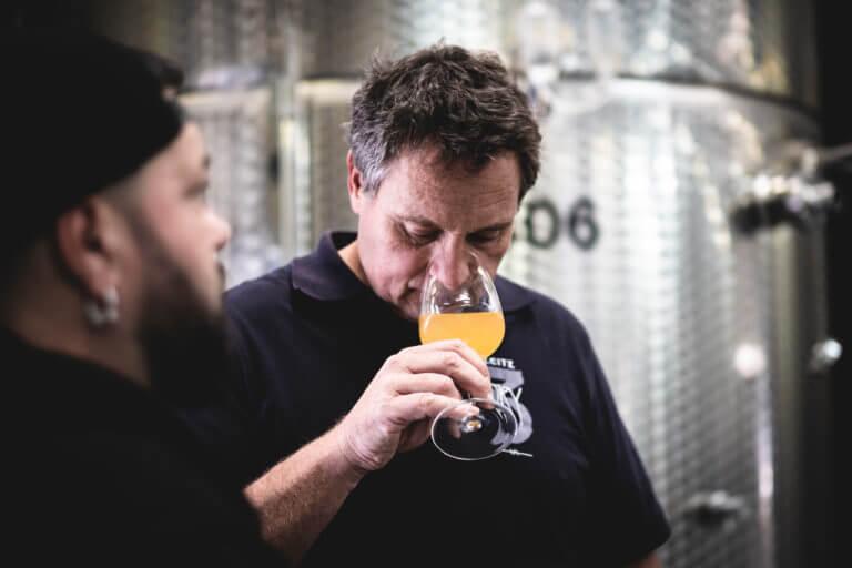Johannes Leitz und Winepunk Marco Zanetti - Renos Weine vom Rhein Rüdesheim– Foto von Oliver Semik - Designagentur Yummy Stories