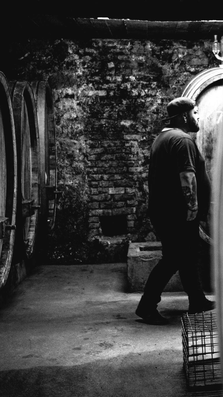Winepunk Marco Zanetti - Renos Weine vom Rhein Rüdesheim– Foto von Oliver Semik - Designagentur Yummy Stories