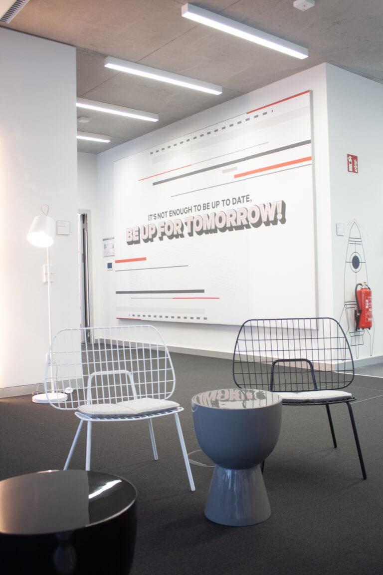 Startup Autobahn Daimler AG Kommunikation im Raum, Grafikdesign, Interior Design von der Designagentur Yummy Stories