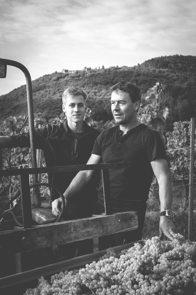 Fabian und Gunter Stübinger - Weingut Stübinger Leinsweiler Pfalz– Foto von Oliver Semik - Designagentur Yummy Stories
